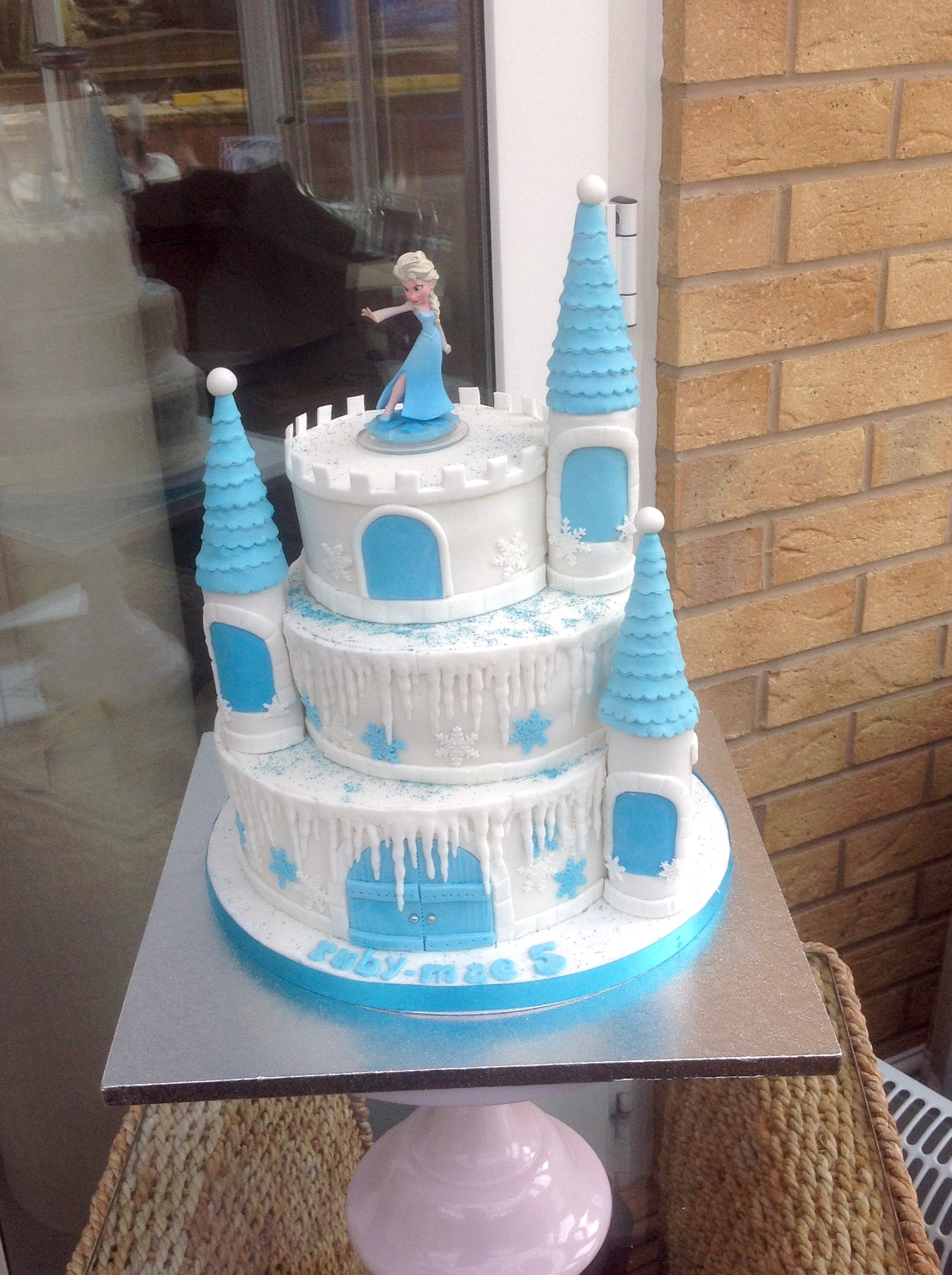 Cake Frozen Castle