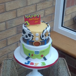 2 tier toy story cake